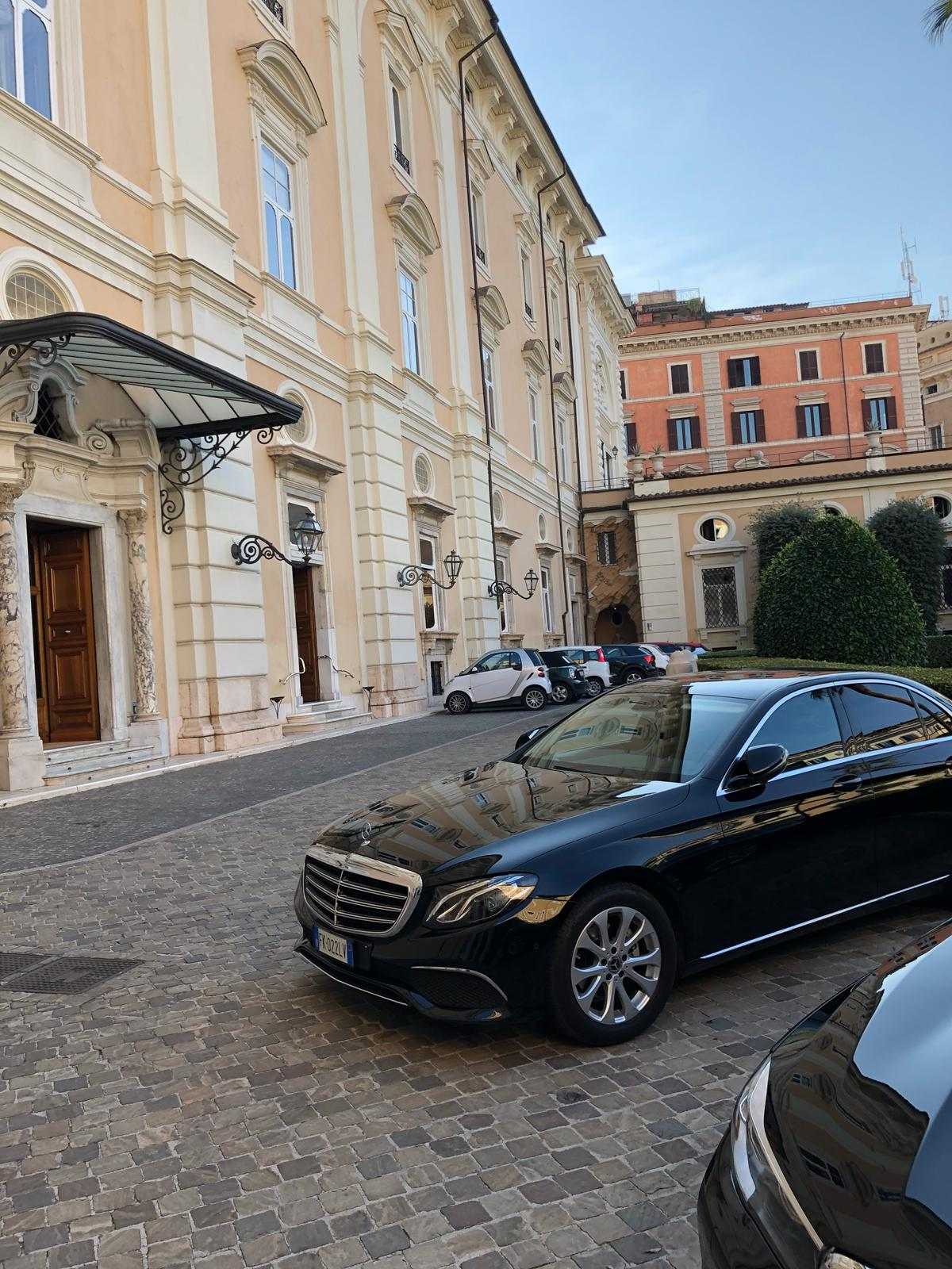 Italy Limousine Service second photo.
