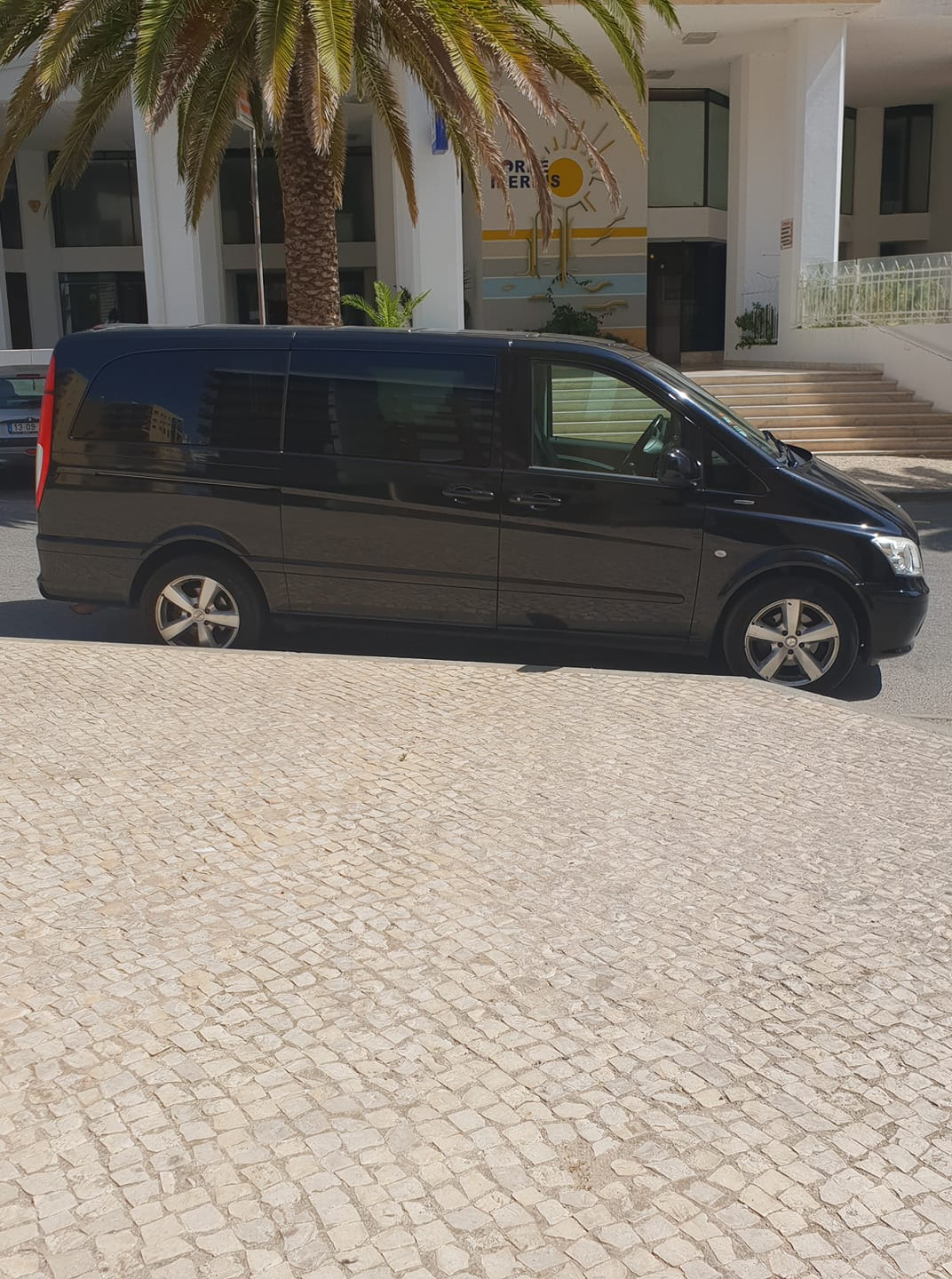 BLUE LABEL Faro Airport Transfers & Tours second photo.