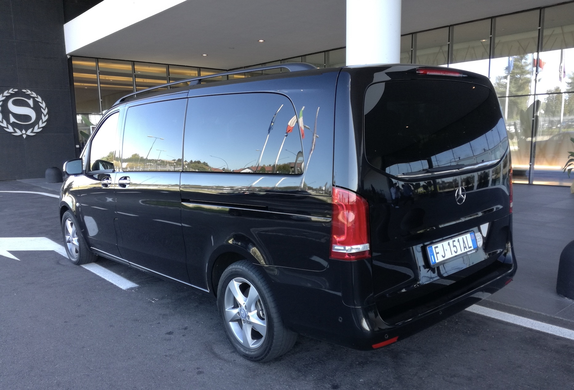 LUXURY TRANSFER SERVICES ITALY second photo.